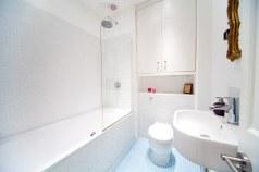 Small Space Islington / Bathroom